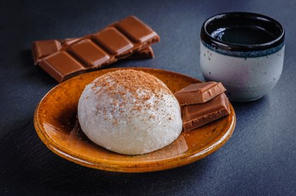 Mochi with Chocolate Mousse